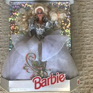Happy holidays special edition 1992 barbie